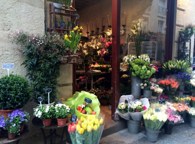 Flower shop in unspoiled Ile Saint-Louis, Paris