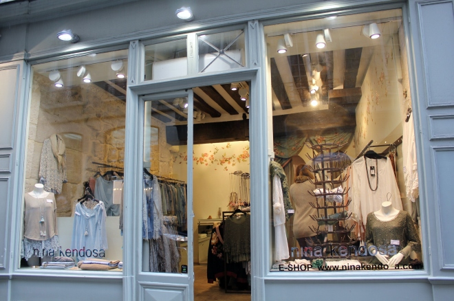 Boutique clothes shop in unspoiled Ile Saint-Louis, Paris