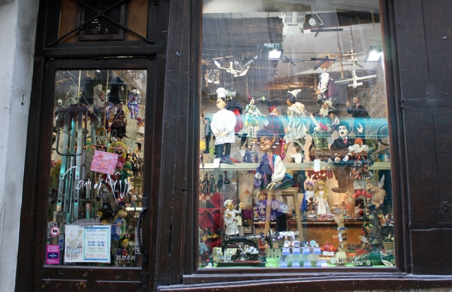 Puppet shop in unspoiled Ile Saint-Louis, Paris