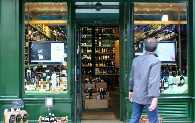 Wine Shop, Rue Cler, The Invalides And Eiffel Tower Quarter. Best Food Markets In Paris.